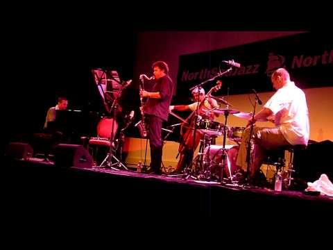 Embedded thumbnail for Trio BraamDeJoodeVatcher with Louis Sclavis at North Sea Jazz